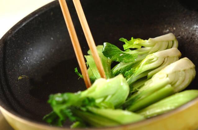 豚肉とチンゲンサイの中華炒めの作り方の手順6