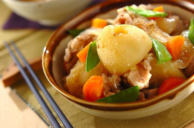 【決定版】黄金比で簡単!肉じゃがの基本レシピ&アレンジ20