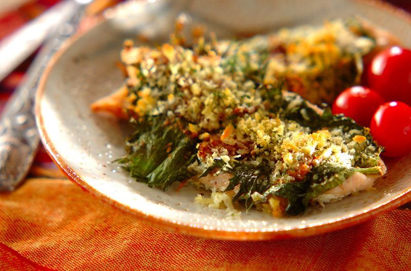 梅肉と大葉のささ身パン粉焼き