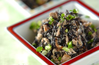 ヒジキの煮物とツナのマヨネーズ和え