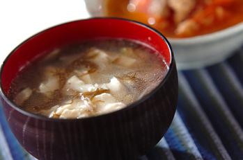 くずし豆腐ともずくのスープ