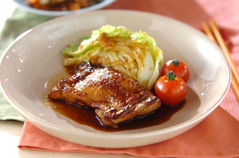 1.キャベツと鶏もも肉のしょうが焼き