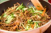 ゼンマイピリ辛炒めの作り方4