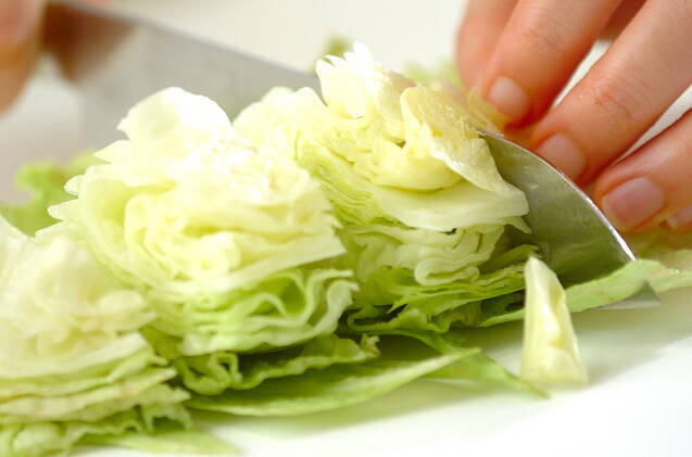 レタスのかき玉汁ペッパー風味の作り方の手順1