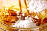 豚軟骨とゴーヤのカレー揚げの作り方1