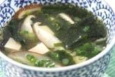 豆腐とワカメのスープ