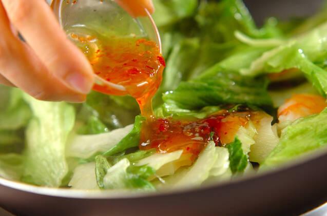 エビとレタスのエスニック炒めの作り方の手順5