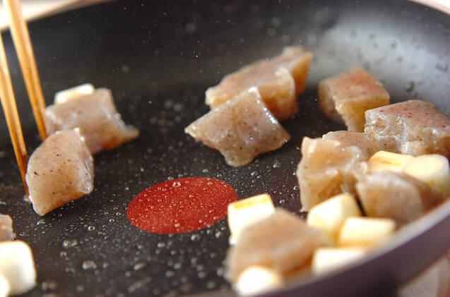ちぎりコンニャクの甘辛炒めの作り方の手順3