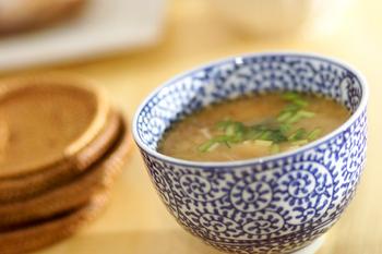 カップ味噌スープ