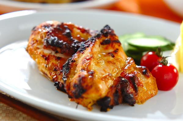1. 鶏もも肉でスパイシータンドリーチキン