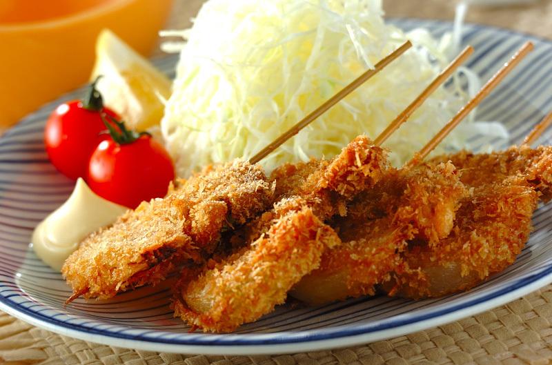 2. 豚ヒレ肉の串カツ