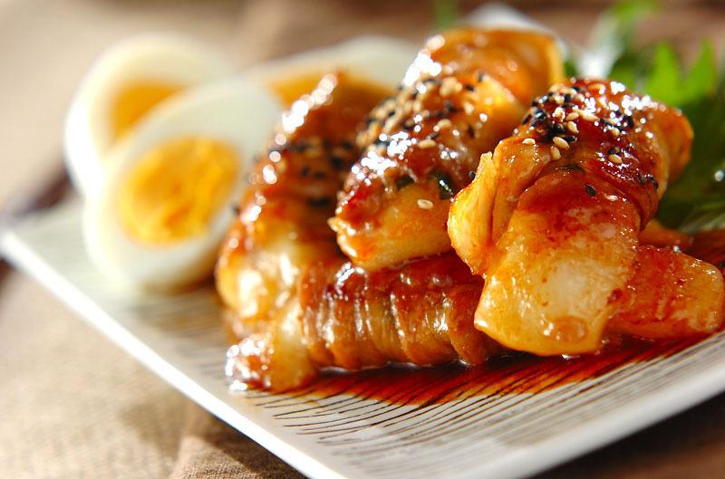 3.ピリ辛肉巻き餅