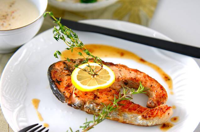 炊き込みご飯やクリーム煮にも!秋鮭のおいしいレシピ25選