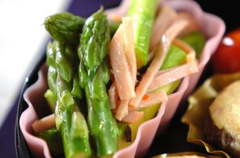 アスパラガスとハムのサラダ