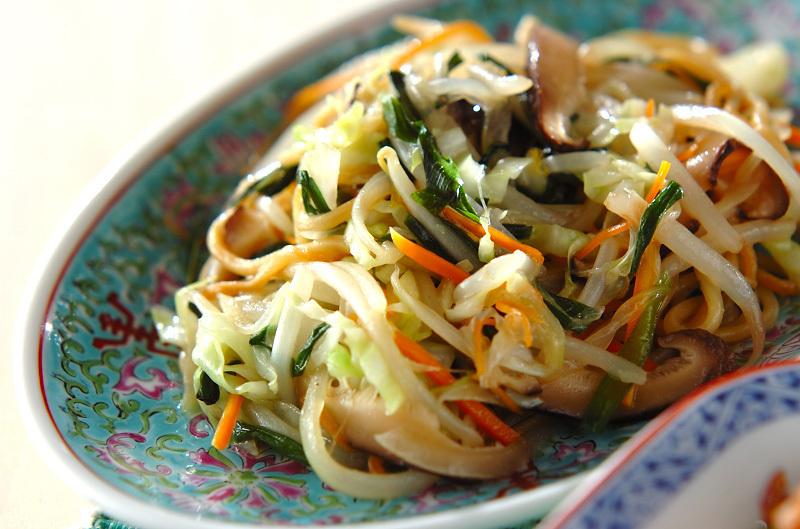 9. 蒸し中華麺で塩焼きそば