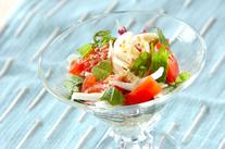 トマトと海藻のゴママヨサラダ