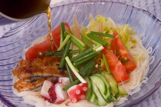 熱々ゴマ油をじゅわっとかけて!七夕素麺の作り方の手順10