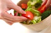 ハ二ードレッシングサラダの作り方1