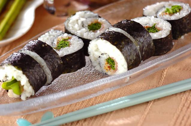 生ハムとルッコラの巻き寿司