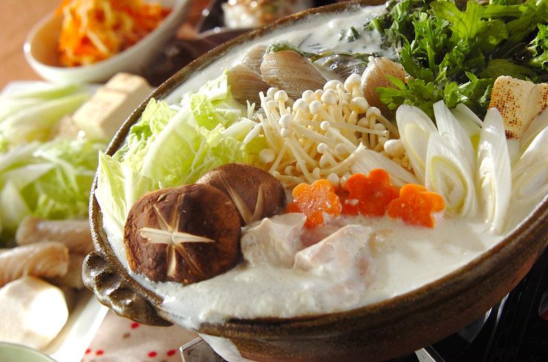 鶏むね肉と7種の野菜のミルク鍋