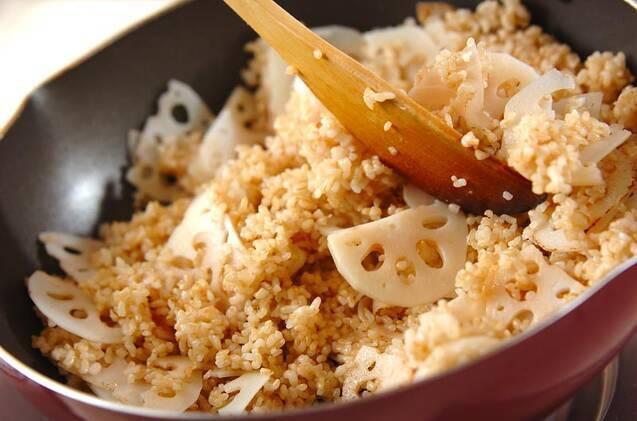 佃煮昆布の和風チャーハンの作り方の手順3
