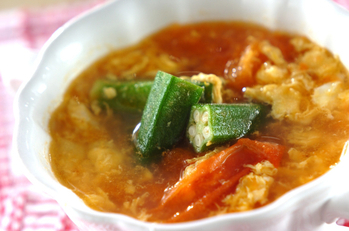 トマトとオクラのスープ