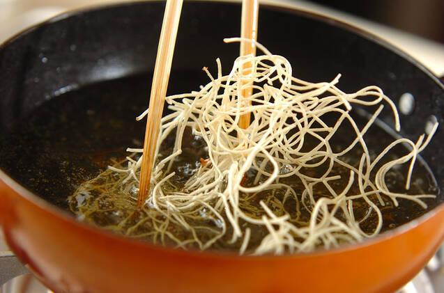 揚げ素麺のパリパリサラダの作り方の手順6
