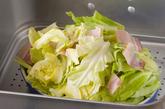 春キャベとベーコンの温サラダの作り方2