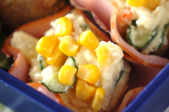 お花のポテトサラダ
