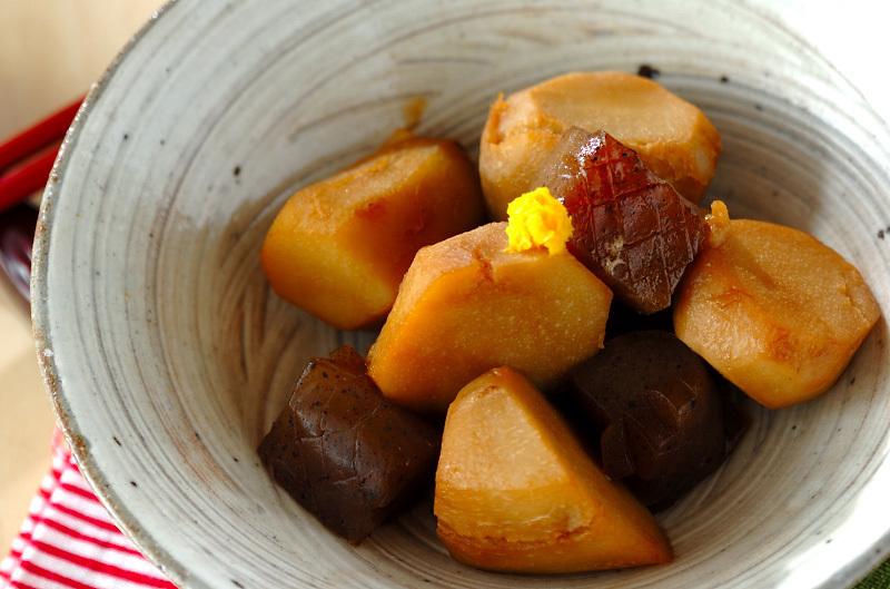里芋とこんにゃくの煮物