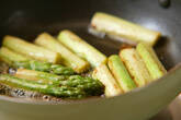 グリーンアスパラのバター炒めの作り方2
