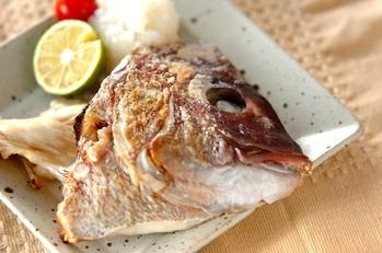 魚のアラの塩焼き