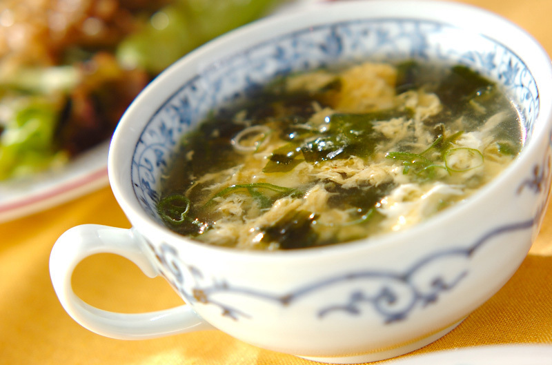 2. ワカメと卵のスープ