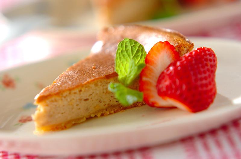 4.ストロベリーベイクドチーズケーキ