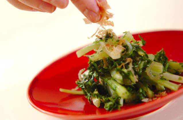 セロリとジャコのナンプラー炒めの作り方の手順3