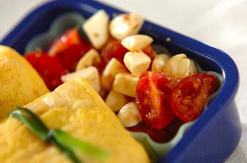 チーズとトマトの和え物