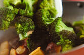 ブロッコリーとホタテの塩炒めの作り方3