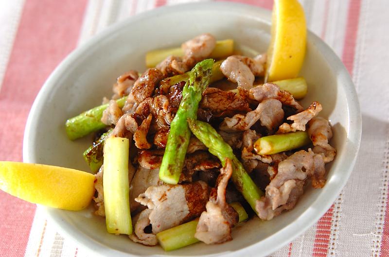 豚肉とアスパラガスのソテーバルサミコ風味