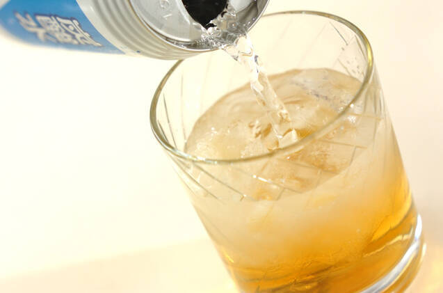 梅酒ジンジャーソーダの作り方の手順1