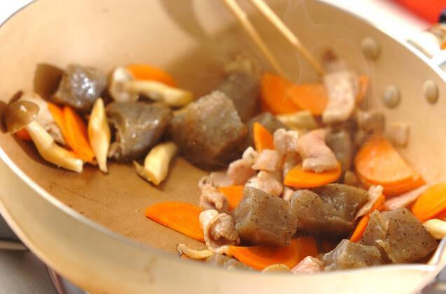板コンニャクのピリ辛炒めの作り方の手順5