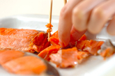 鮭とキャベツの甘酢和えの下準備1