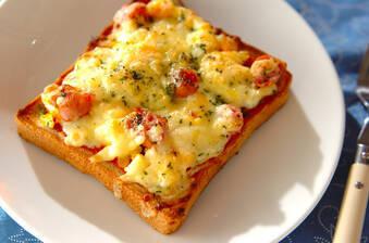 卵のピザトースト