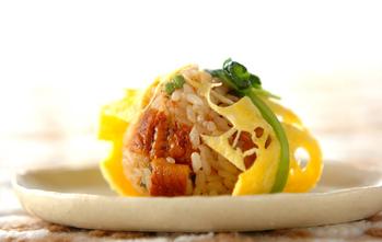 ウナギご飯の卵包み