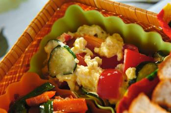 炒り卵のマヨサラダ