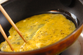 炒り卵のマヨサラダの作り方2