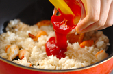 エビとコーンのケチャップライスの作り方3