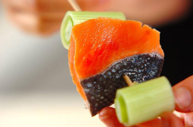 甘塩鮭の串揚げの作り方の手順5