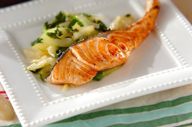 鮭と野菜のソテー