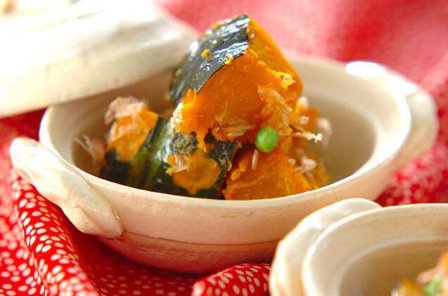 土鍋の中のかぼちゃのおかず