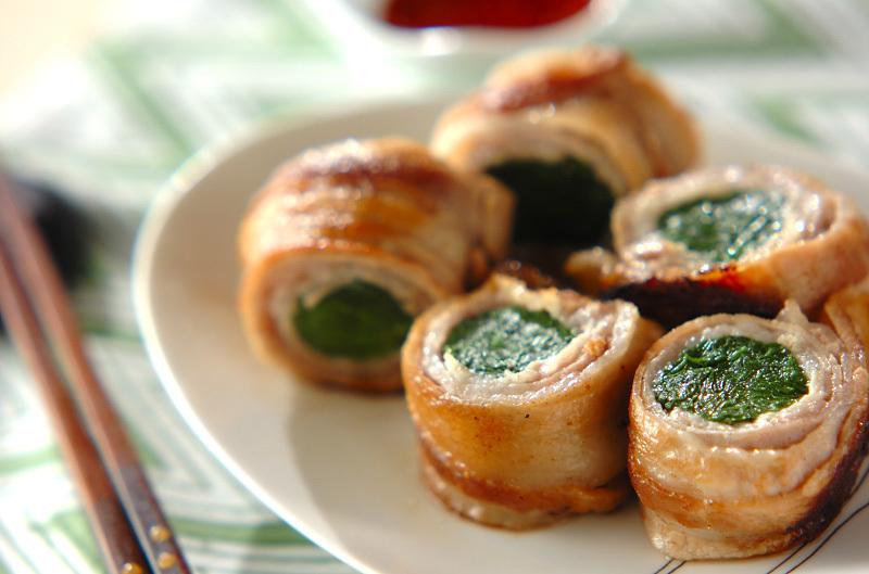 1.豚バラ肉のニラ巻き